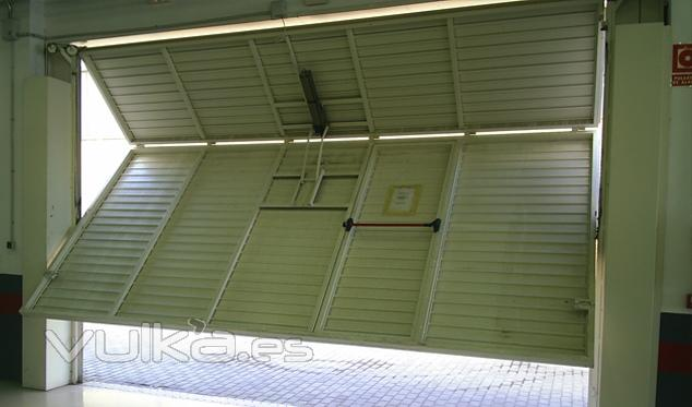 automatismos avanzados para puertas de garaje abatibles
