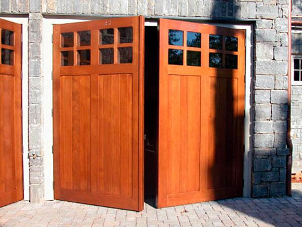 Mantenimiento de puertas de garaje batientes