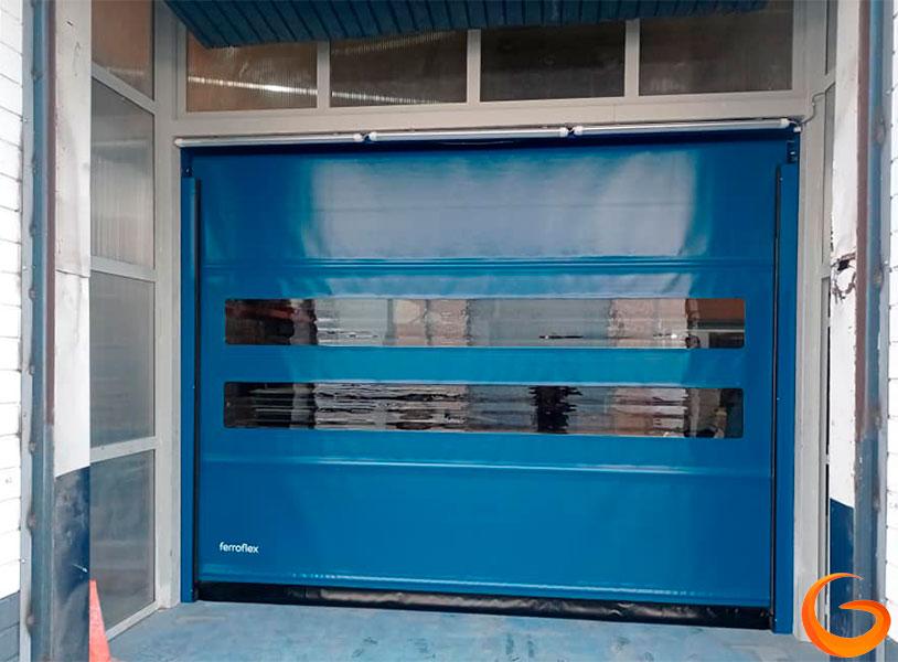 Tipos de puertas automáticas industriales y comerciales